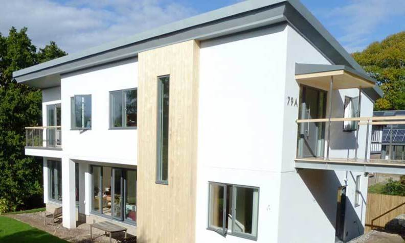 contemporary 4 bedroom detached house